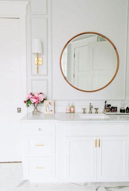 Interior Bathroom Gold Accents Amp Fixtures