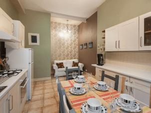 area dining/kitchen