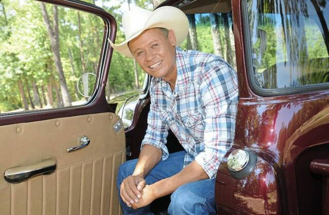 Country singer Neal McCoy, playing Oct. 17 at The Palace Theatre in Greensburg, says he never prepares a playlist for his shows.