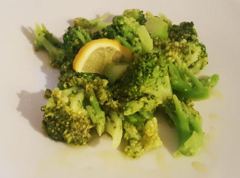 ♡ Brokkolisalat - schnell, einfach & sehr lecker