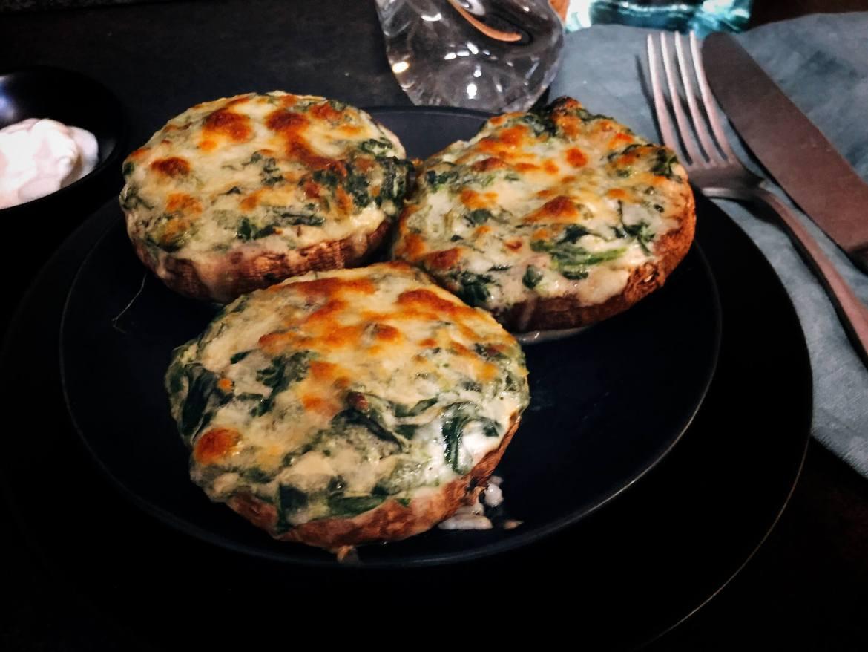 Gefüllte Portobello Pilze – low carb Abendessen