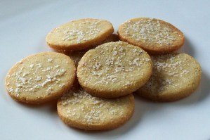 Grain-Free Crackers with Olive Oil | Low-Carb, So Simple!