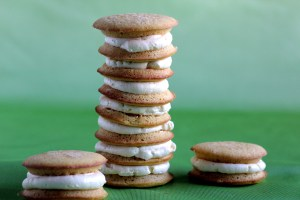 Low-Carb Marshmallow Fluff Frosting, as Filling in a Low-Carb Whoopie Pie Pile