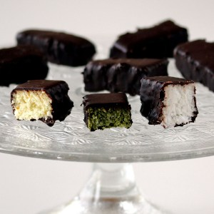 Mounds Bars (Bounty)   Low-Carb, So Simple!