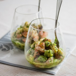 Appetizer from Shrimp, Avocado and Red Grapefruit | Low-Carb, So Simple!