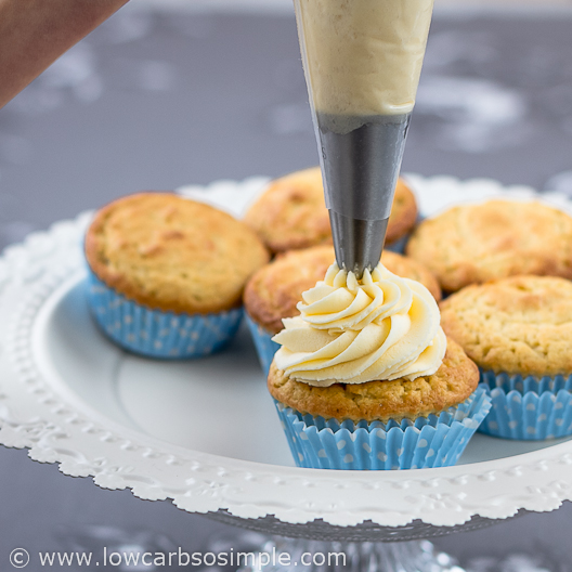 Image of Basic Butter Frosting with Natvia; Piping | Low-Carb, So Simple