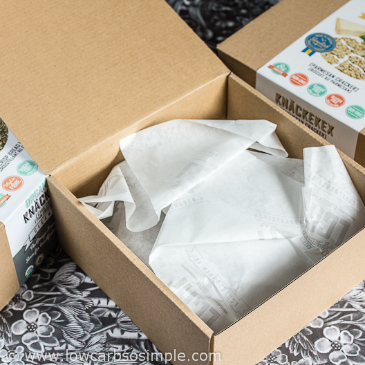 Open Box of KZ Clean Eating Knäckekex | Low-Carb, So Simple