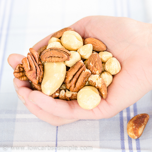 1-Minute 3-Ingredient Keto Snack; Nut Mix | Low-Carb, So Simple