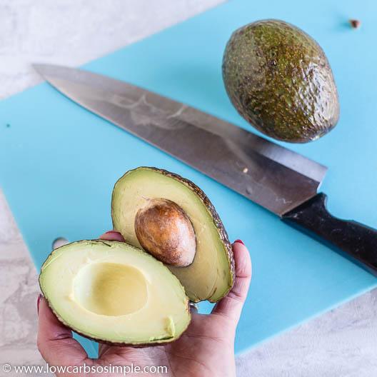 Halving Avocados | Low-Carb, So Simple