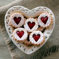 Low-Carb Linzer Hearts (Egg-Free)