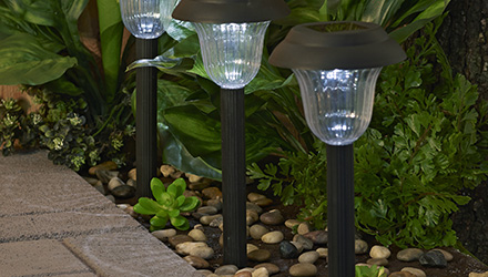 outdoor lights buying guide lowe s canada