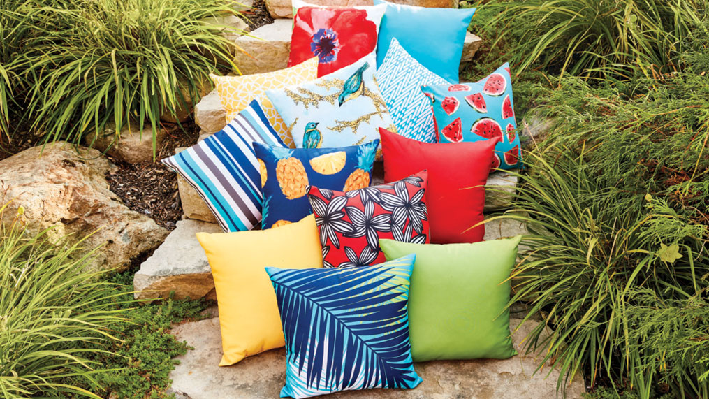 how to pick the perfect patio cushions