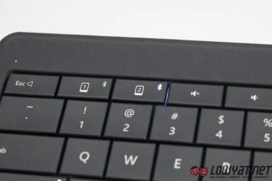 Microsoft Universal Foldable Keyboard Hands On 04