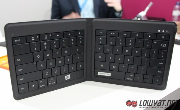 Microsoft Universal Foldable Keyboard Hands On 07