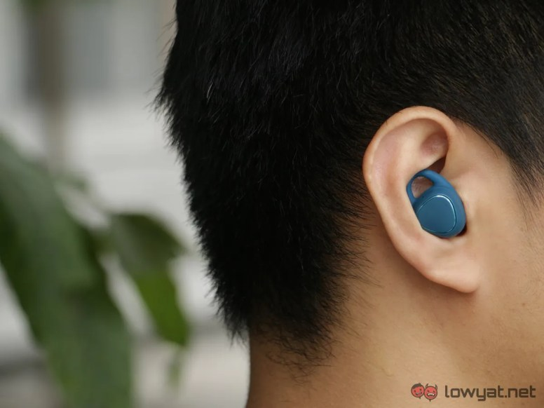 Samsung-Gear-IconX-Lightning-Review-IMG_6615
