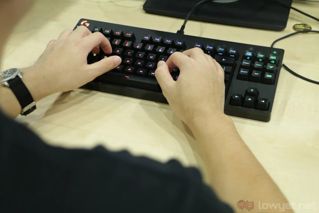 Logitech G Pro Gaming Keyboard & Mouse Lightning Review