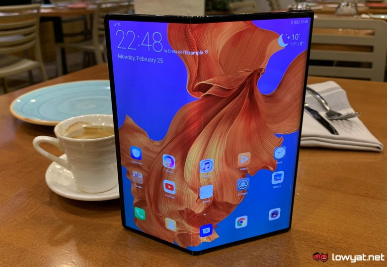 huawei-mate-x-hands-on-01