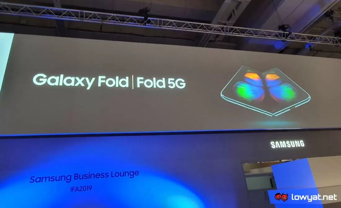 Samsung's next foldable phone will bend into a square like a wallet