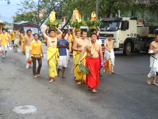 This are Malaysian Hindus that HINDRAF forgot about. Image from http://dragondescendants.blogspot.com/