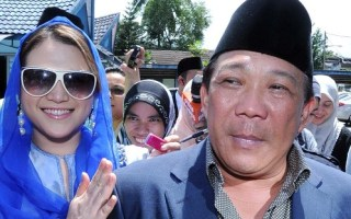 Ask Lord Bobo: Lynas, Bung-isms, and Media Bias