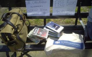 Free books, free books! Come get yours!