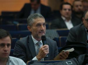 XVI Congreso Juego de  Castilla y León. Fotografía hombres sentados