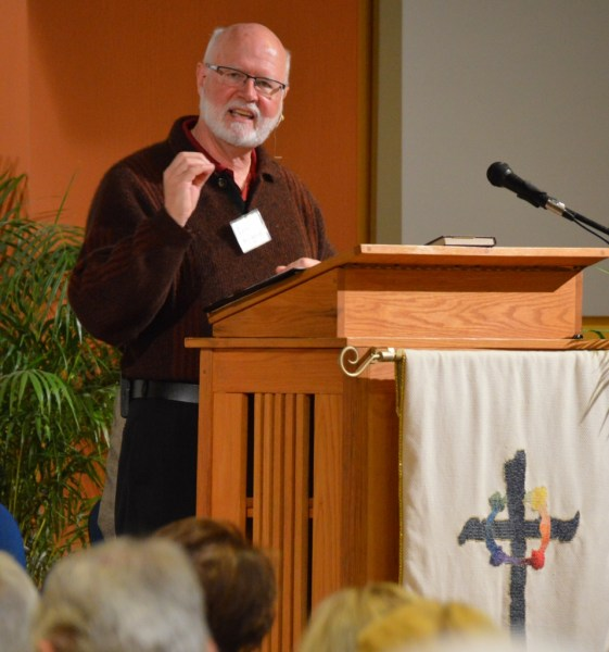 Pastor Ross Arnold gave the English-language sermon at our Dedication Service.