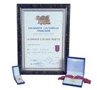 La Cravate d'Or avec Rosette – Federazione Nazionale della Cultura Francese Per i risultati eccezionali di L. Ron Hubbard nel campo di arti, scienze e letteratura.
