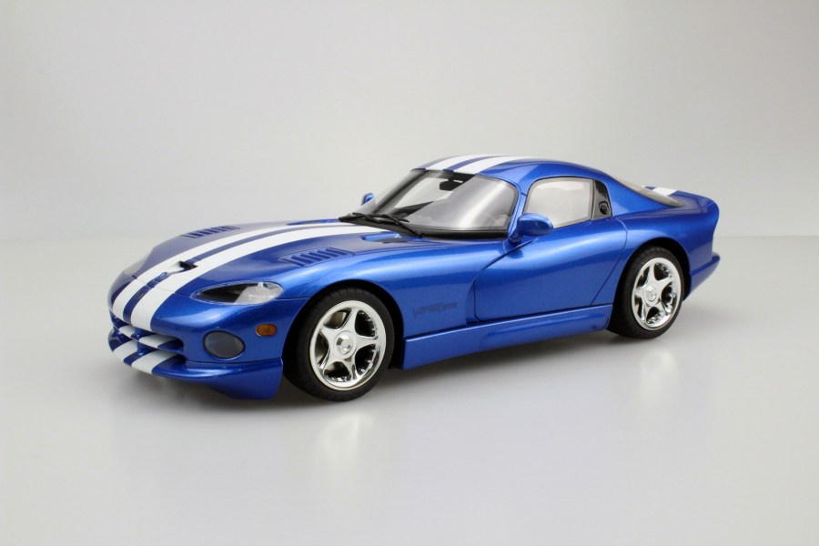 LS Collectibles Dodge Viper GTS 1996  1 18 blue   LS016A Dodge Viper GTS 1996