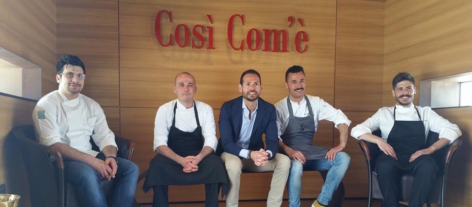 """I 4 finalisti del progetto """"Cosi Com'è - Coltiviamo Talenti"""" con Fabio Palo, CEO di Finagricola."""