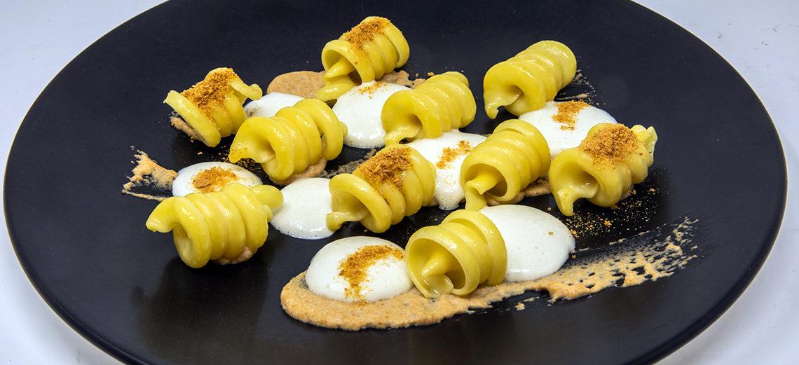 Pasta, pane e quattro formaggi di Ivan Bombieri