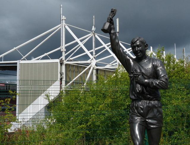 Statue of Gordon Banks at Stoke City