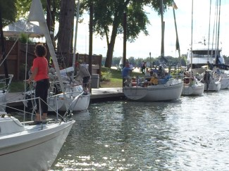 boat docking captains quarters.JPG