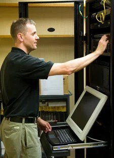 IT tech at server
