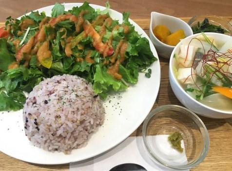 富久クロスにある野菜たっぷりなヘルシーカフェ。@Farmer's Cafe PEARL パール(新宿御苑)