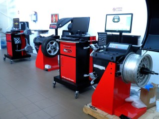 Tyre Servicing Equipment