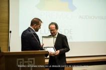 """Entrega de Placa a Antonio Marín, representante de la ONG """"Sáhara Conmigo"""", beneficiaria de la recaudación solidaria de nuestro concurso."""