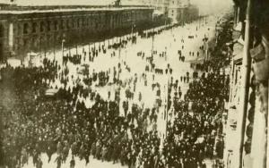 Demonstration in Nevsky Prospekt Feb1917 Public Domain