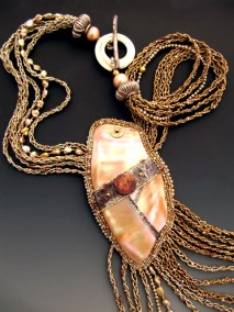 new-guinea-shell-with-braids-005