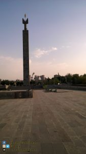 Piazza/monumento a Erevan (ARMENIA)