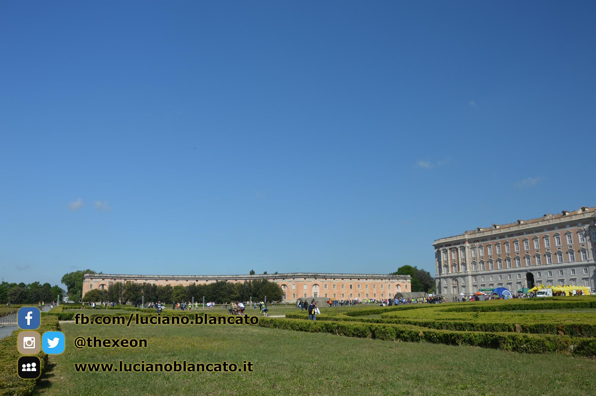 copy_1_Reggia di Caserta - vista del palazzo da fuori