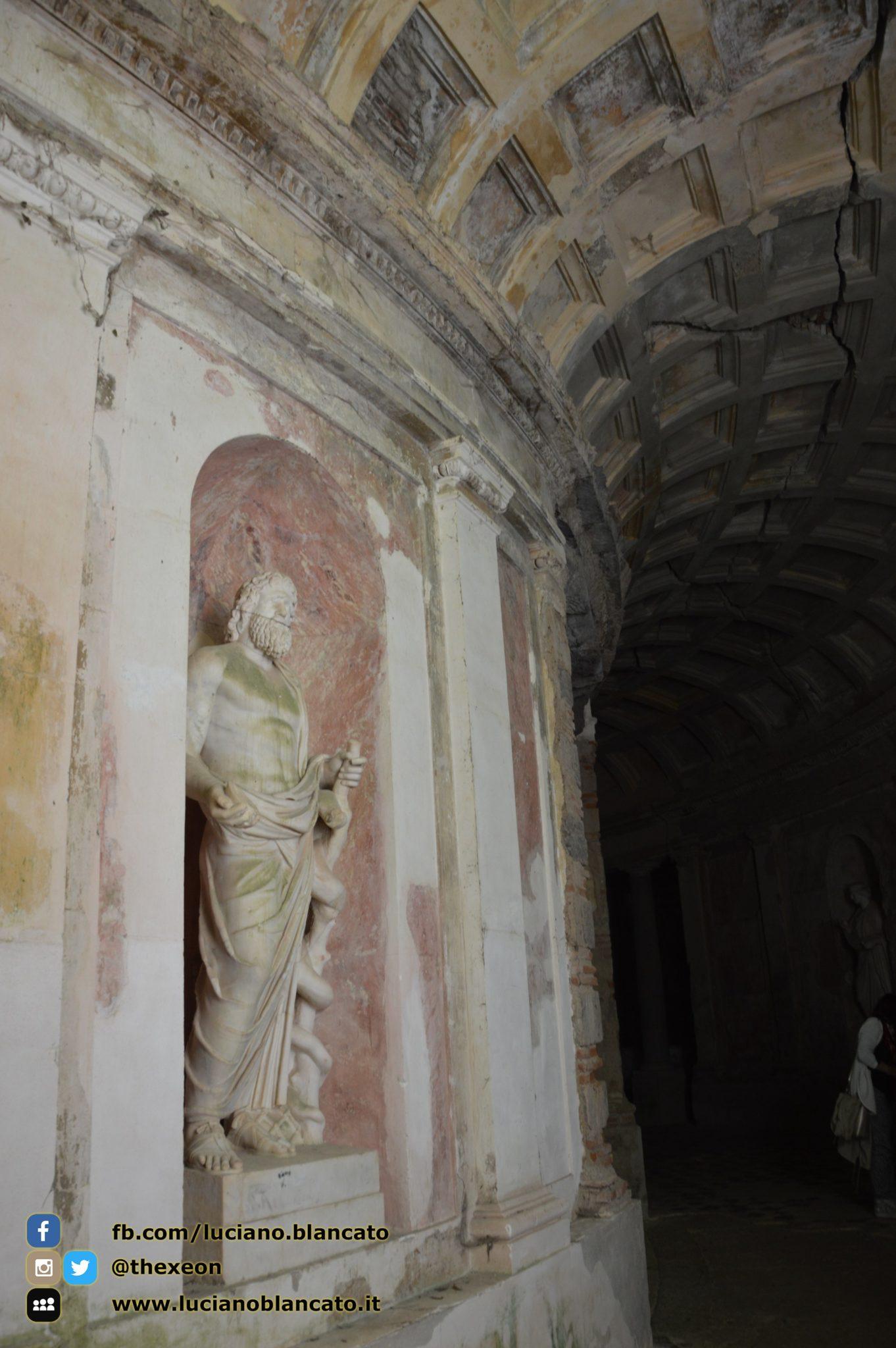 copy_Reggia di Caserta - Giardino inglese - statue
