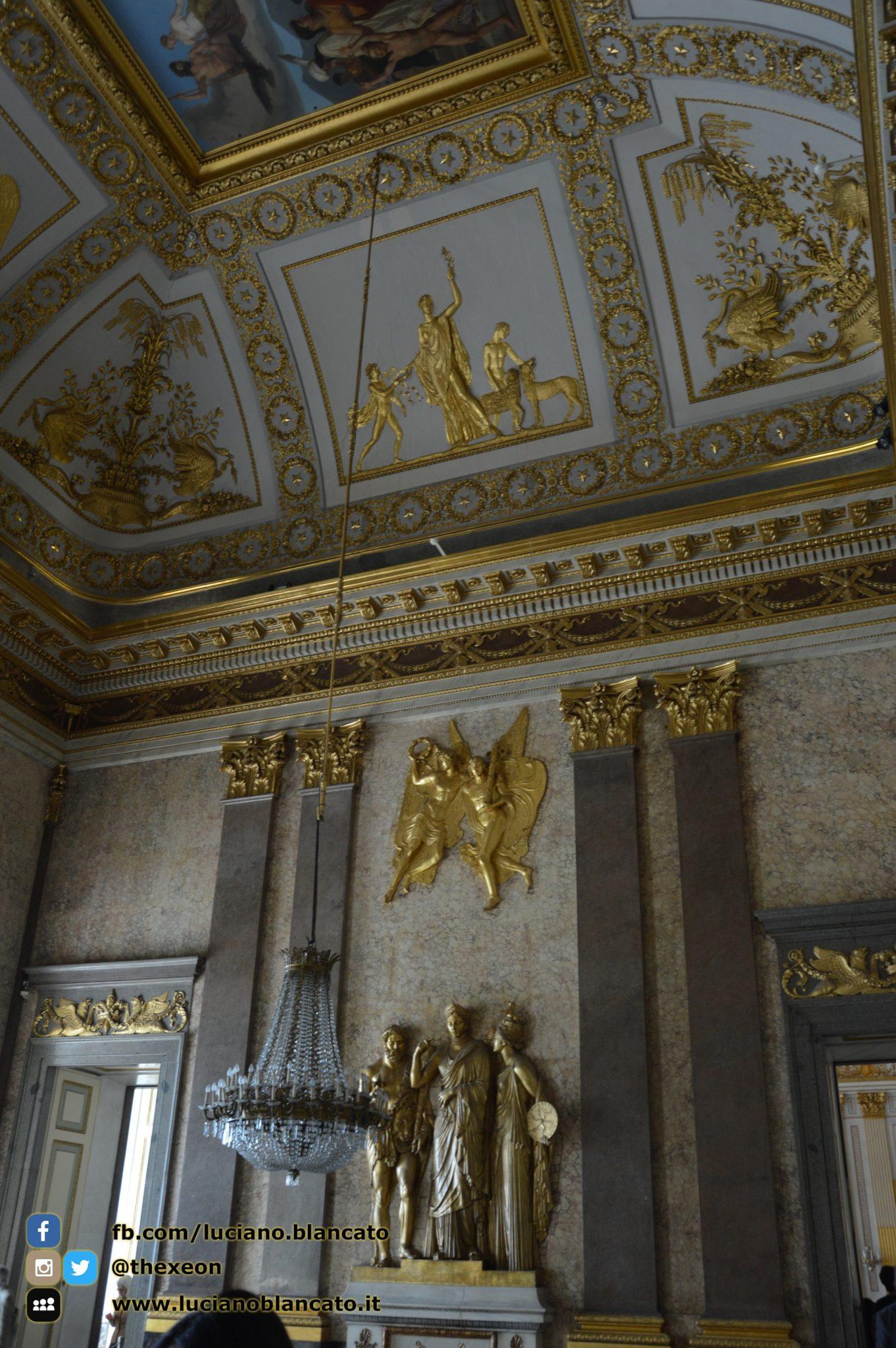Reggia di Caserta - Appartamenti reali - statue