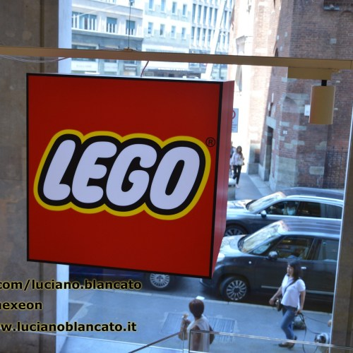 Milano - Lego Store - Piazza San Babila