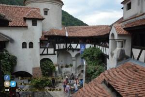 copy_1_Bucarest - Castello di Bran - Cortili interni