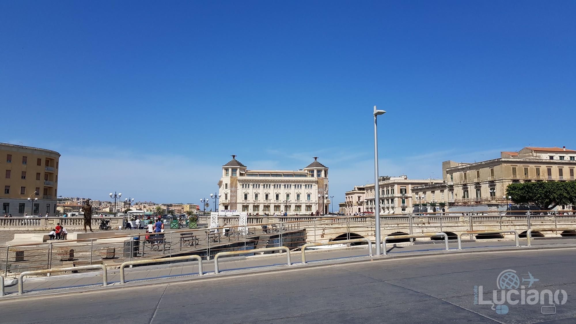 ex Palazzo delle poste e ponte umbertino - Siracusa - Ortigia
