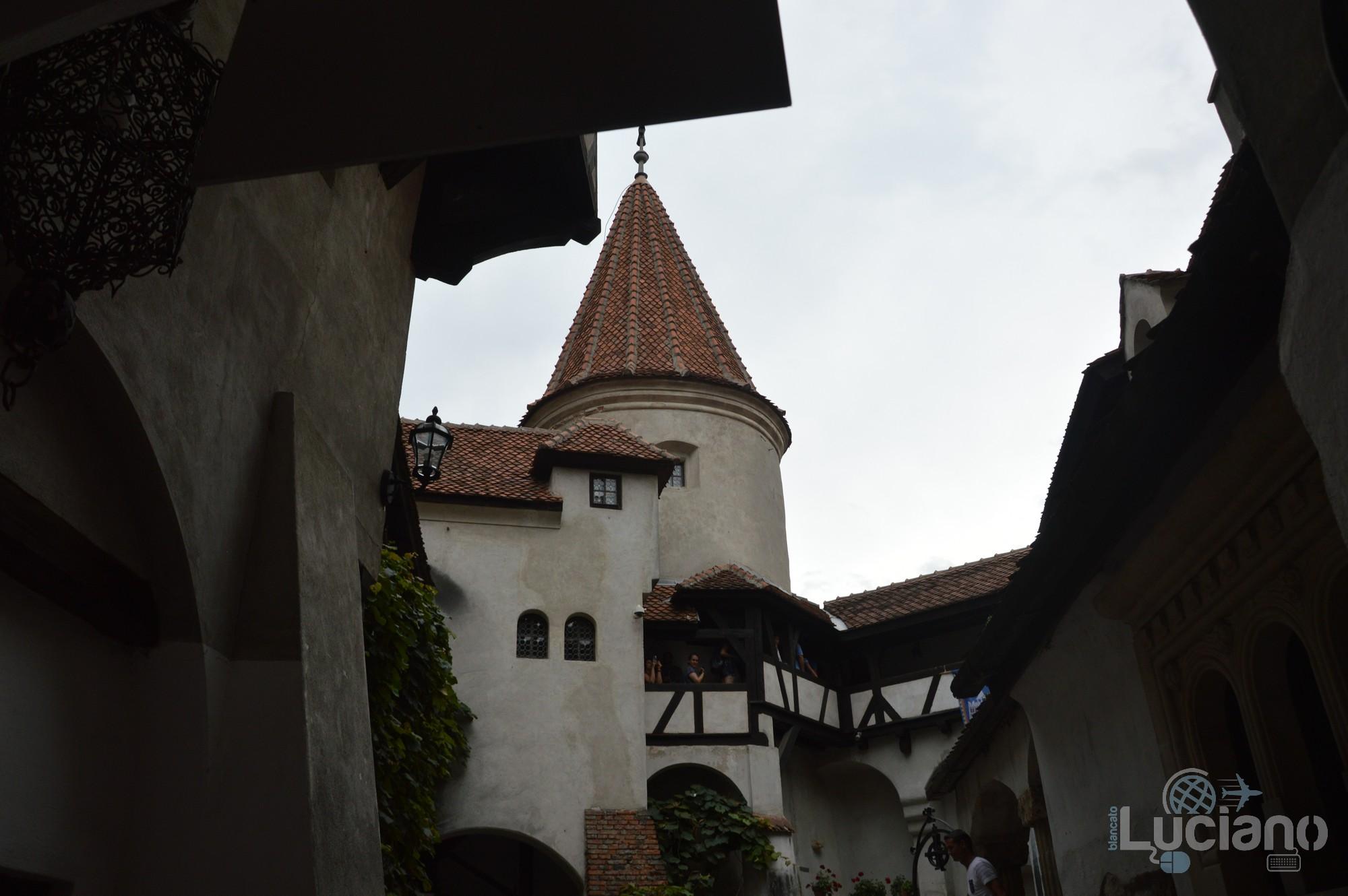 castello-di-dracula-castello-di-bran-luciano-blancato (32)
