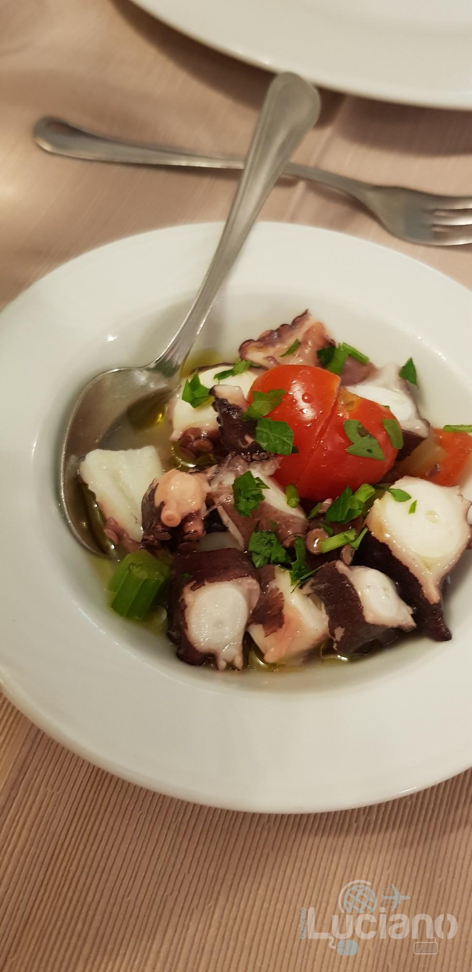 Trattoria Catania Ruffiana - Mix di Antipasti: insalata di polipo