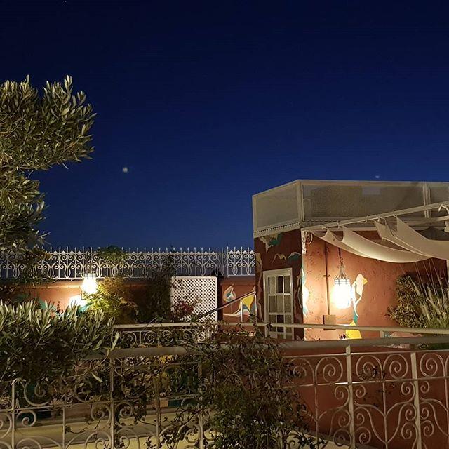 Sul terrazzo del Riad Karmela Princesse, aspettando la cena#marrakech #morocco #maroc #travel #moroccan #marruecos #photography #marocco #like #marocaine #kenitra #marrakesh #fashion #africa #moroccotravel #follow #travelblogger #instatravel #thexeon - from Instagram