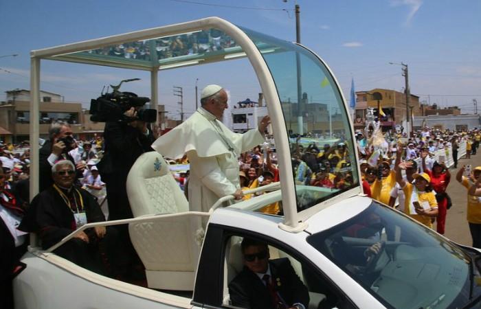 Papa Francisco culmina visita a Perú